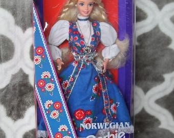 1995 Barbie Dolls of the World Norway Norwegian # 14450