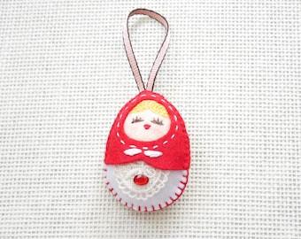 Felt Red Russian Doll (Medium), Felt Matryoshka, Felt Christmas Ornament, Felt Keychain, Felt Toy, Christmas Gift, Christmas Decoration