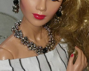 "Doll jewelry made to fit all 11 or 12 "" fashion dolls"