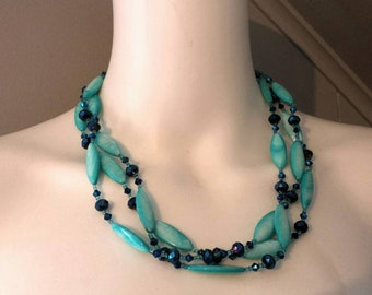 Vintage Turquoise Blue MOP Czech Glass Beaded Necklace. G