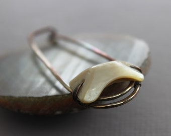 Safety pin style shawl pin, scarf pin with captured mother of pearl button - Shell pin - SP085