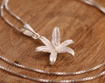 Sterling Silver Lily Necklace, Sterling Silver Flower Necklace, Silver Lily Necklace, Lily Blossom Necklace, Floral Necklace, Gift for Her