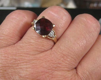 Dress Up Your Finger 14K Yelklow Gold Garnet Dianmoind Ring Size 7