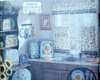Simplicity 8880 Retired Curtains, Apron, Covers, Pot holders, Placemats Sewing Pattern New/Uncut