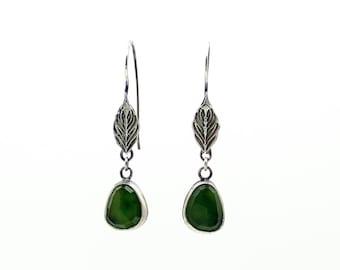 Leaf Earrings, Gemstone Earrings, Chalcedony Earrings, Green Chalcedony, Dangle Earrings, Drop Earrings, Silver Earrings, Nature Jewelry