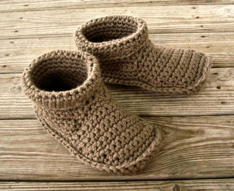 Gehäkelte Hausschuhe Mens häkeln Pantoffeln in Taupe