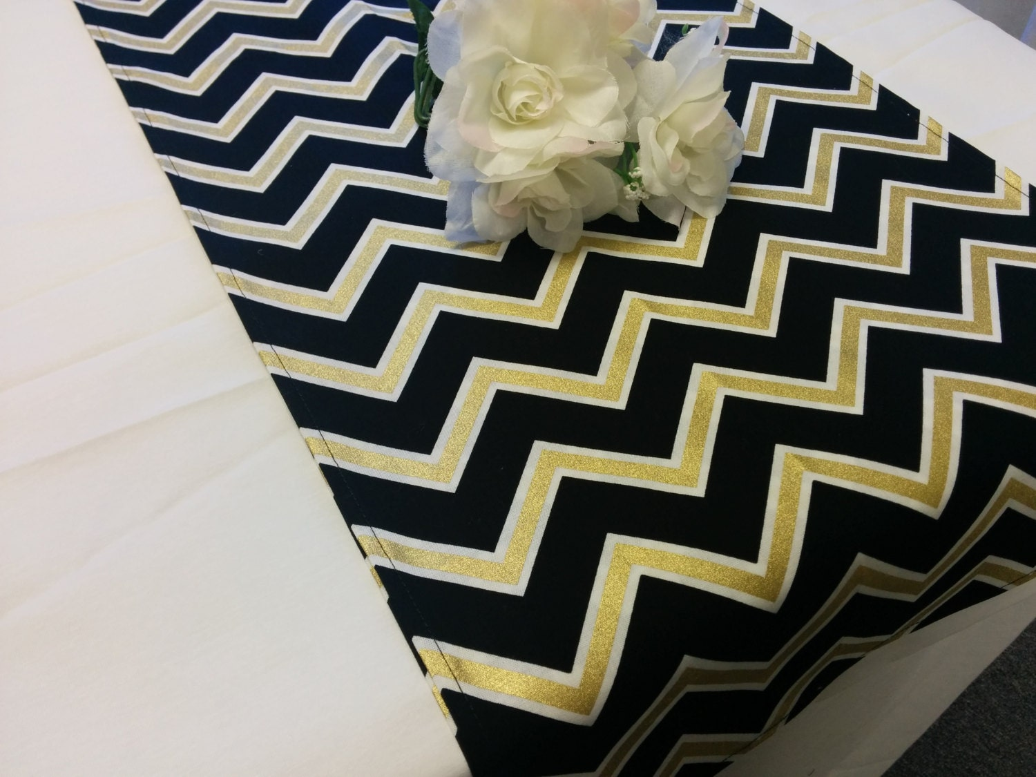 🔎zoom & BLACK GOLD CHEVRON table runner or Napkins Pillow Cover