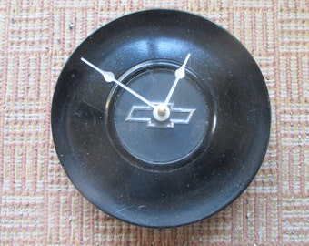 Vintage Chevy Hubcap Wall Clock   FREE SHIPPING   Repurposed Home Decor    Classic Car