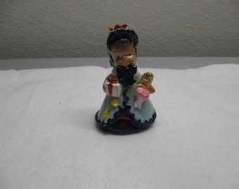 Christmas shopping figurine