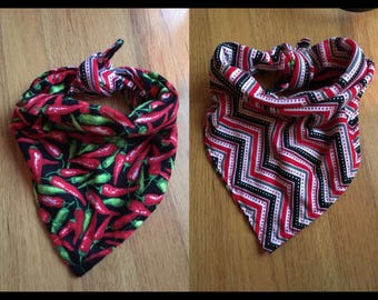 About 25 inch peppers tie on reversible bandana