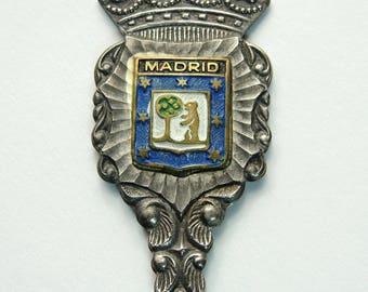 Vintage Collectible Souvenir Spoon Madrid Spain Shell Bowl