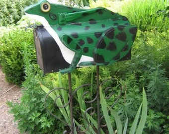 Novelty mailboxes - Frog mailbox