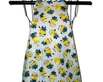 Childs Apron Kids Ages 3 to 8  Minions  Reversible Adjustable