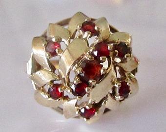 Large 9ct Gold Garnet 3D Cluster Ring