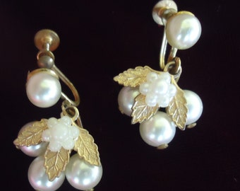 Gorgeous Pearl and Gold Drop Earrings!