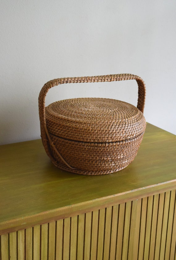 Round Vintage Woven Nesting Basket w/ Lid and Handle - Boho, Farmhouse, Folk, Eclectic