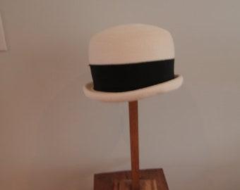 1960's Cloche Style Hat