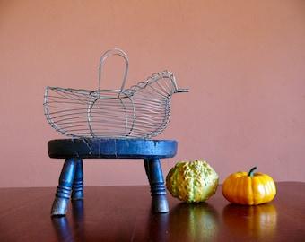 Metal Wire Hen Egg Basket, Rustic Wirework Gathering Basket, Easter Basket, Primitive French Country Farmhouse Decor