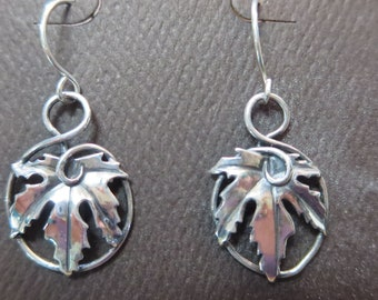 Small Sterling Silver Brutalist Maple Leaf Circle dangle Earrings
