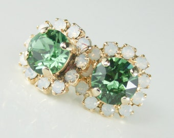 crystal earrings,swarovski earring,Swarovski crystal earrings,bridal crystal earrings,bridesmaid earrings,green wedding,green and white opal