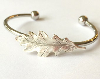 Silver Oak Leaf Bracelet Oak leaf bangle Oak Bracelet Bangle Oak Tree Jewelry Oak leaf Jewelry Silver woodland bracelet stacking bracelet