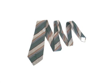 Vintage Countess Mara Tie /  Striped  / Belgravia / Green