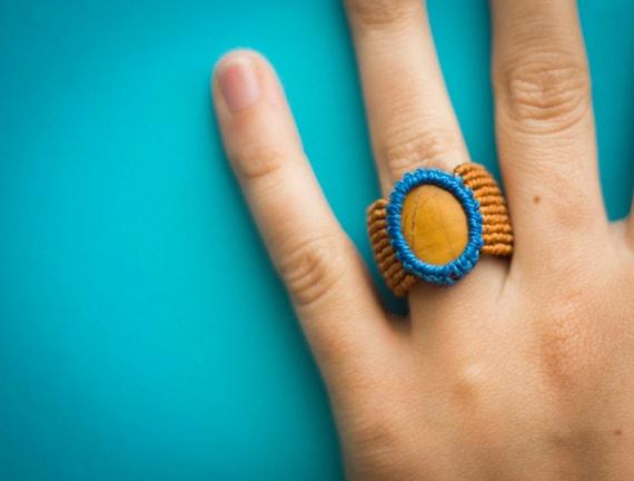Blue mustard ring