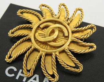 Vintage 90's CHANEL Paris Huge XL Large CC Logo Sun Burst Gold Jewelry Brooch Pin