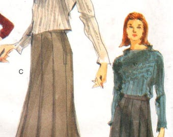 "Vogue 9952, Sz 8-12/Hips 33.5-36"".  EASY Ladies Pleated Skirt sewing pattern, UNCUT Easy Vogue pattern,copyright 1998."