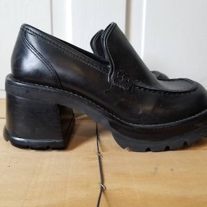 STEVE MADDEN PLATFORMS // 90's Black Hefty Mary Janes Leather Chunky Heels  Loafers Witch Goth