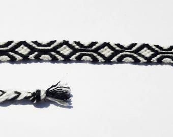 Friendship bracelet tapisserie pattern