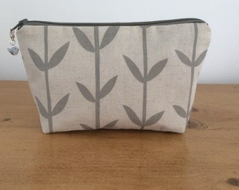 Makeup pouch, notions pouch, knitting notions storage, gift, Orla leaves, handmade, grey, zippered pouch, progress keeper, bird charm
