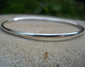 Sterling silver simple oval bangle