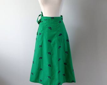Vintage 1980s novelty print wrap skirt, green cotton skirt, small