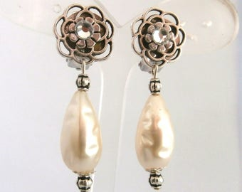 Pearly Pearl Clip earring