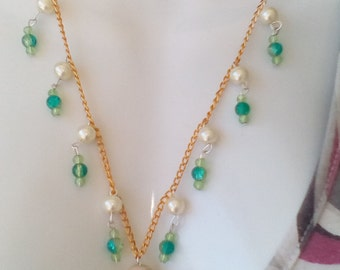 staircase green necklace