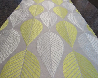 LEAF DESIGN,  Table Runner,  Dimensional Print