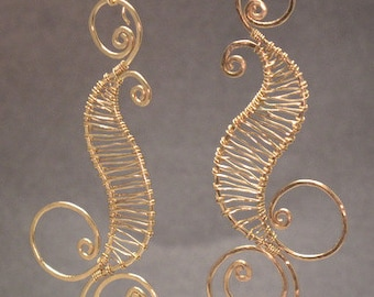 Hammered wired swirl earrings Nouveau 89