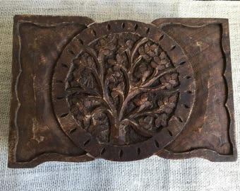 Rustic Round Tree of Life Gratitude Box