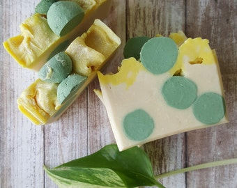 SOAP- Minty * Cold Process Soap * Handmade Soap * Natural Soap * Coconut Milk * Mint * Kaolin Clay * Shea Butter * Handcrafted * Jabon *