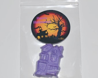 Haunted House Crayons And Stickers. Total of 20 Crayons and 20 Stickers.  Boy or Girl Kids Unique Party Favors, Fall Halloween Crayons.
