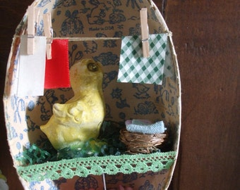 Easter Egg Shadow Box Chalkware Peep Laundry Day Vintage Erzegebirge