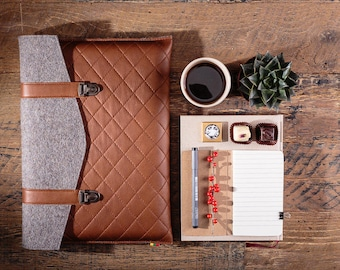 Macbook 15 pro RETINA sleeve Vegetable tanned leather Macbook pro case Wool felt Macbook sleeve Computer case 15 inch Cross stitching case