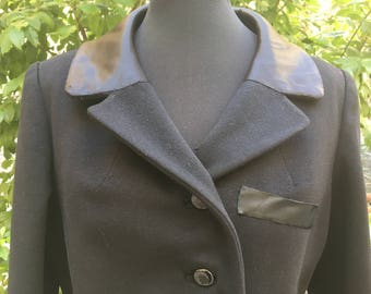 Vintage 80's tailored black coat with collar and cuffs satin