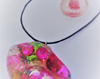 Big Lips Pendant, love hotel on your neck, kinky funky combinations