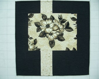 Modern Floral Quilted Wall Hanging