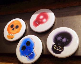 Message board skull magnets