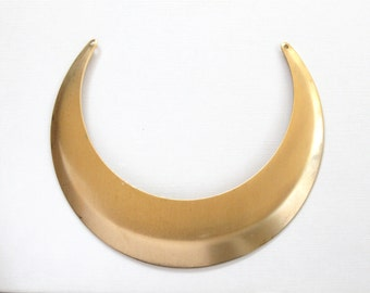 1 very large BLANK necklace collar bib in gold tone.  5.5 inches wide (ST200c). Please read description.