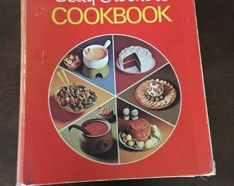 Vintage 1969 Betty Crocker's Cookbook ring binder, pie shape cover, red cookbook, collectible cookbook