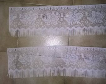 (65) a pair of Breeze Kiss lace pattern geese